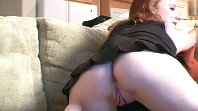 Crimson Haired Teenager Siren Halo Opening Up Her Bangable Bum And Hairless Labia At The Sofa
