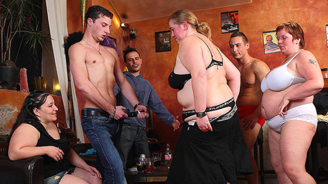 Super-naughty Large Whores Demonstrate Their Oral Skills