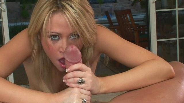 Insatiable Sindee Jennings Tongues This Immense Schlong And Deepthroats It