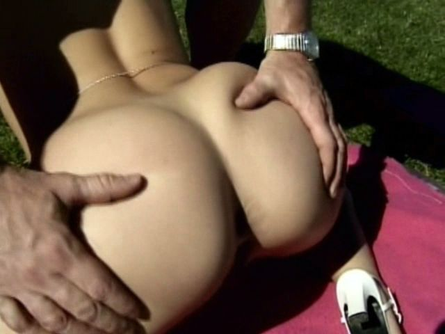 Interesting Light-haired Inexperienced Doll Sharon Ultra-kinky Getting Taut Vulva Smashed Outside